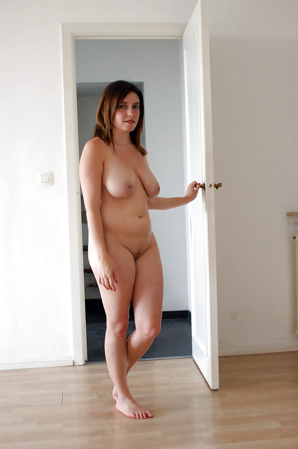Curvy Wife Naked
